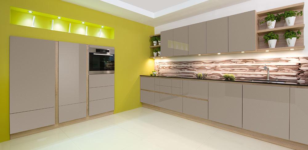Küche mit Lackfronten