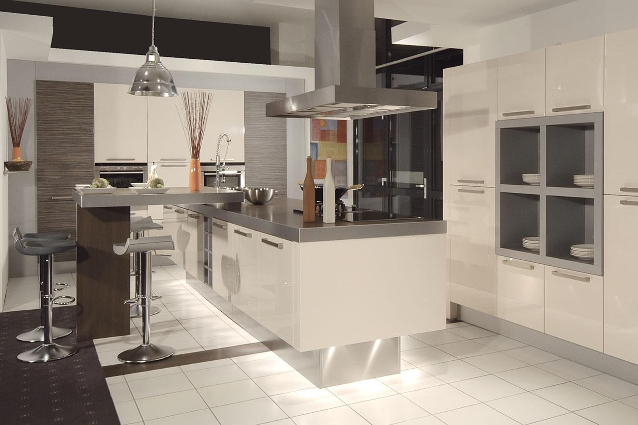 inselk che planen bauen montieren inselk chen von m ller k chen. Black Bedroom Furniture Sets. Home Design Ideas
