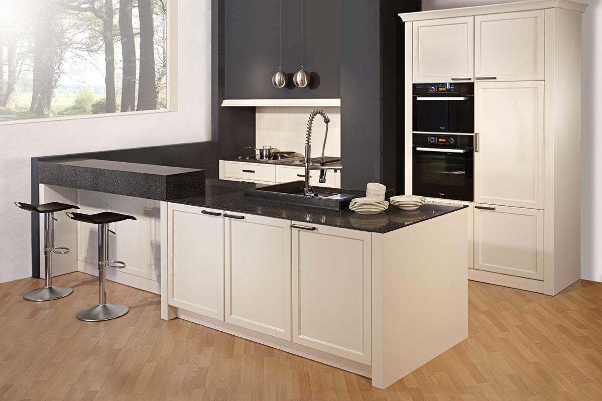 landhausk che bauernk che k chen im landhaus stil landhausk che. Black Bedroom Furniture Sets. Home Design Ideas