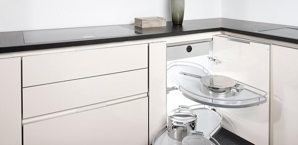 Küchenschränke mit Eckauszug
